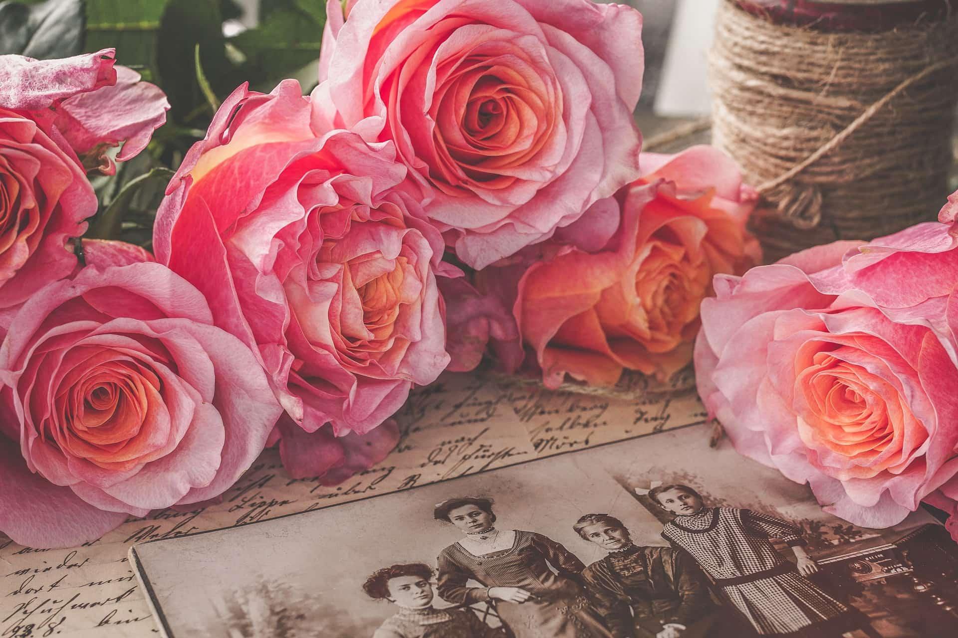 nostalgia small - Jak zorganizować ostatnie pożegnanie pełne wspomnień?