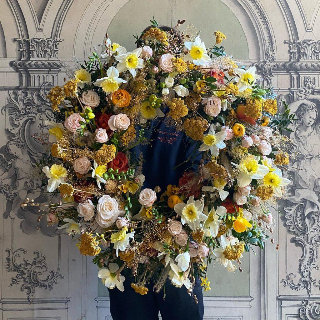 kwiaty miut 12 1024x1024 - Jakie kwiaty są odpowiednie napogrzeb?