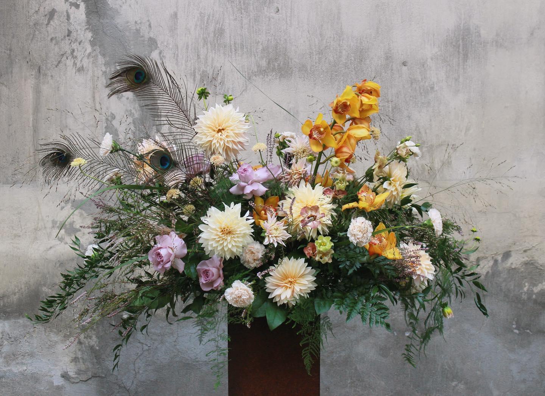 kwiaty miut 14 - Jakie kwiaty są odpowiednie napogrzeb?