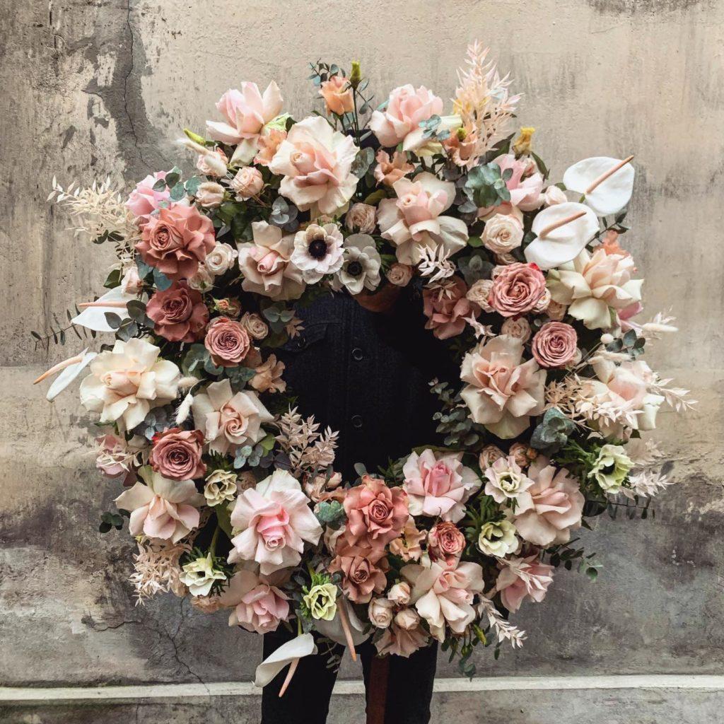 kwiaty miut 4 1024x1024 - Jakie kwiaty są odpowiednie napogrzeb?