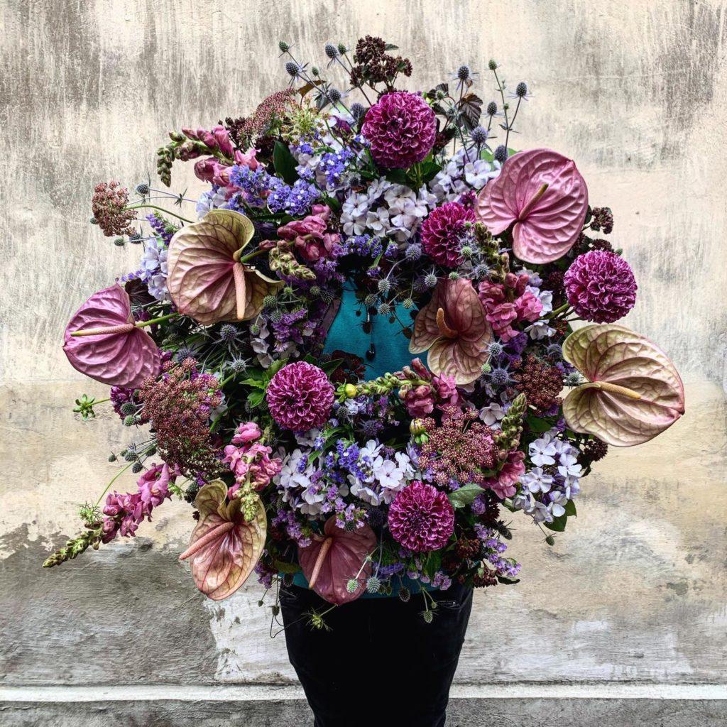kwiaty miut 5 1024x1024 - Jakie kwiaty są odpowiednie napogrzeb?