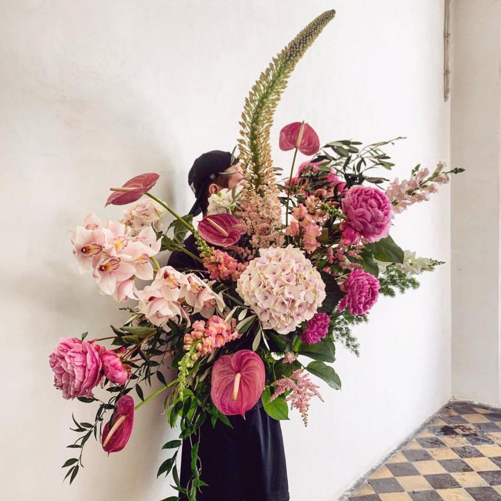 kwiaty miut 6 1024x1024 - Jakie kwiaty są odpowiednie napogrzeb?