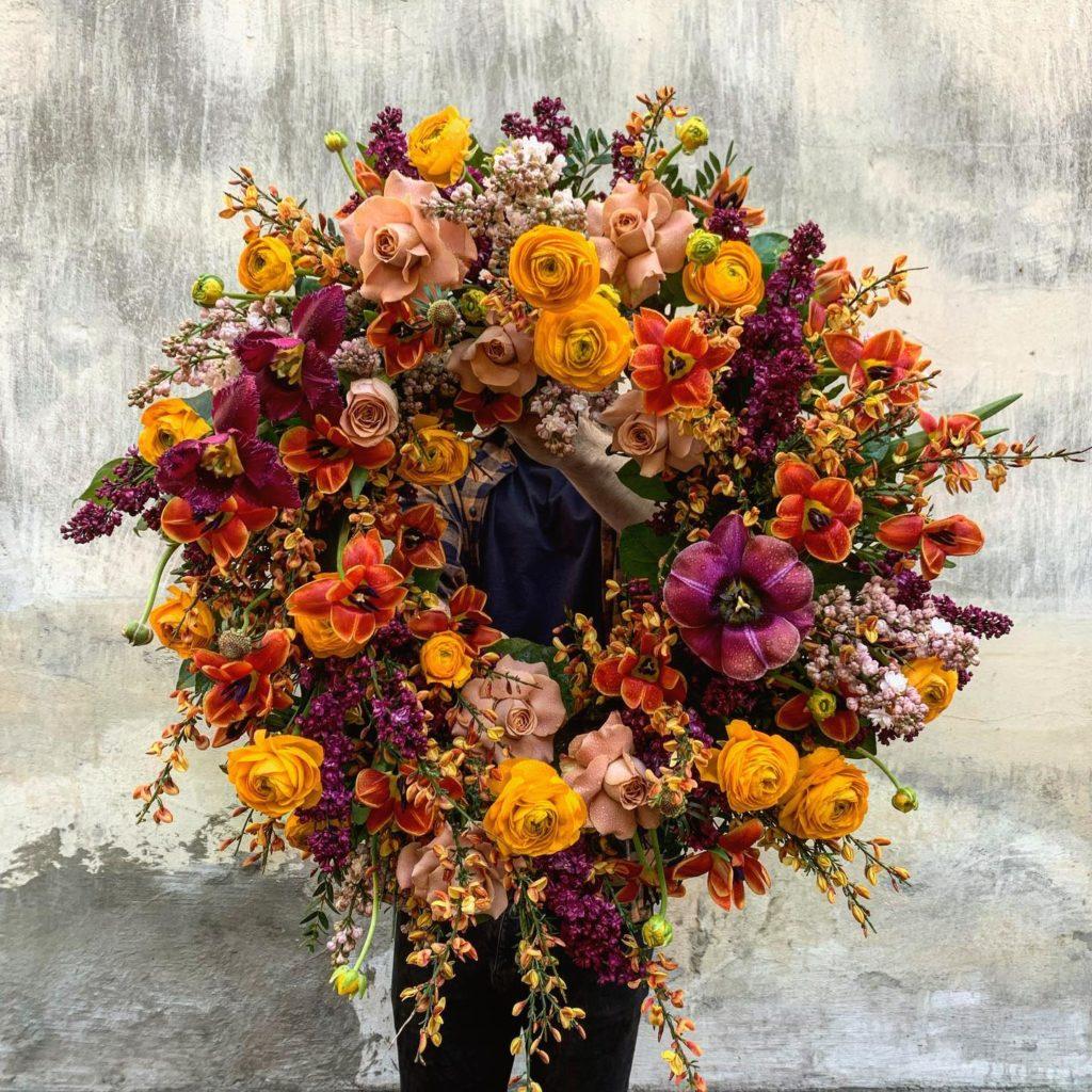 kwiaty miut 7 1024x1024 - Jakie kwiaty są odpowiednie napogrzeb?