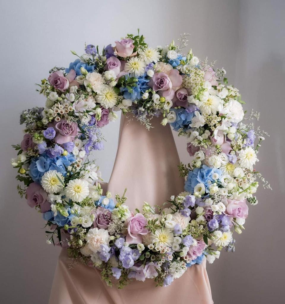 w te pedy 8 960x1024 - Jakie kwiaty są odpowiednie napogrzeb?