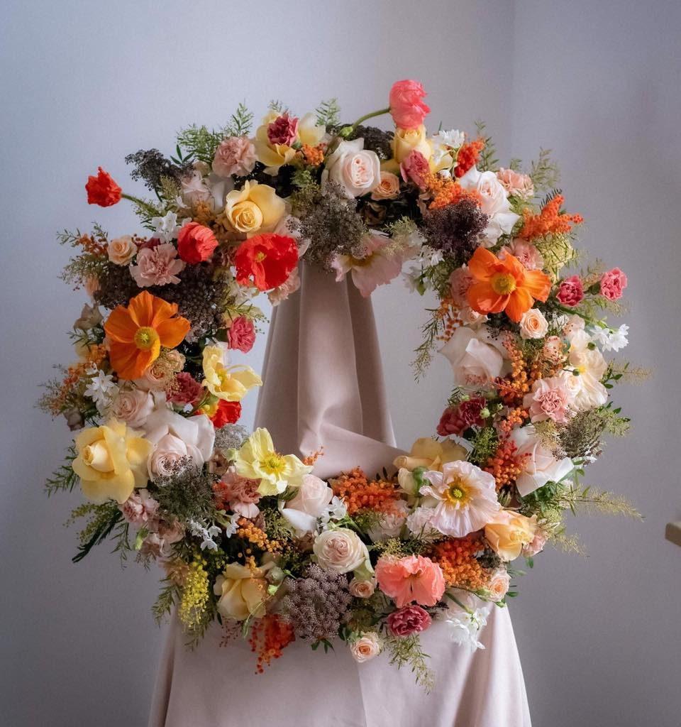 w te pedy 9 960x1024 - Jakie kwiaty są odpowiednie napogrzeb?